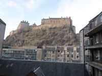 Grassmarket, Websters Land. Cottage style studio flat in fantstic location. Seperate k'nette +bath