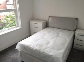 Modern Room in Luxury House Share Allerton Near Penny Lane All Bills Included Fibre Broadband L18