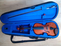 Stentor Student I Violin Outfit, beginner/intermediate , with horsehair bow, and lightweight case