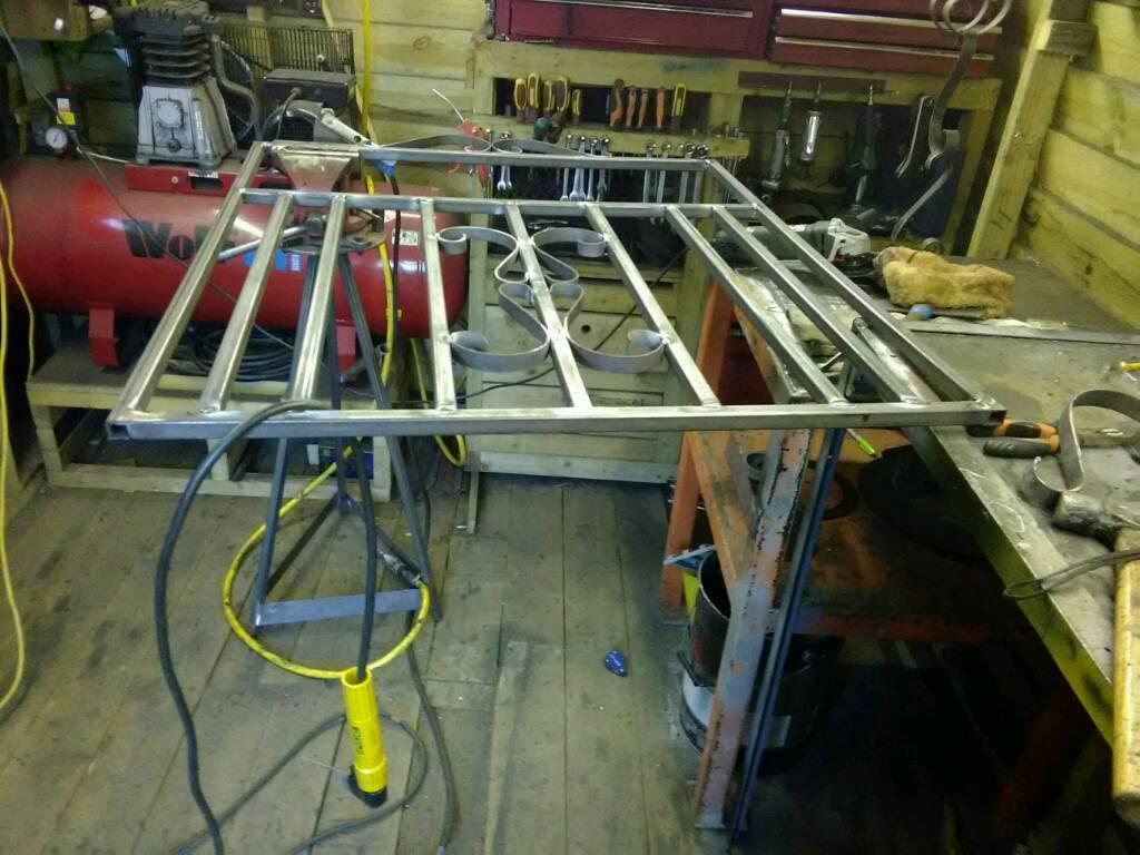 Wrought iron /metal gate
