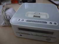 goodmans GCR1872 clock radio with ipod dock,beautiful system with original goodmans mains charger...