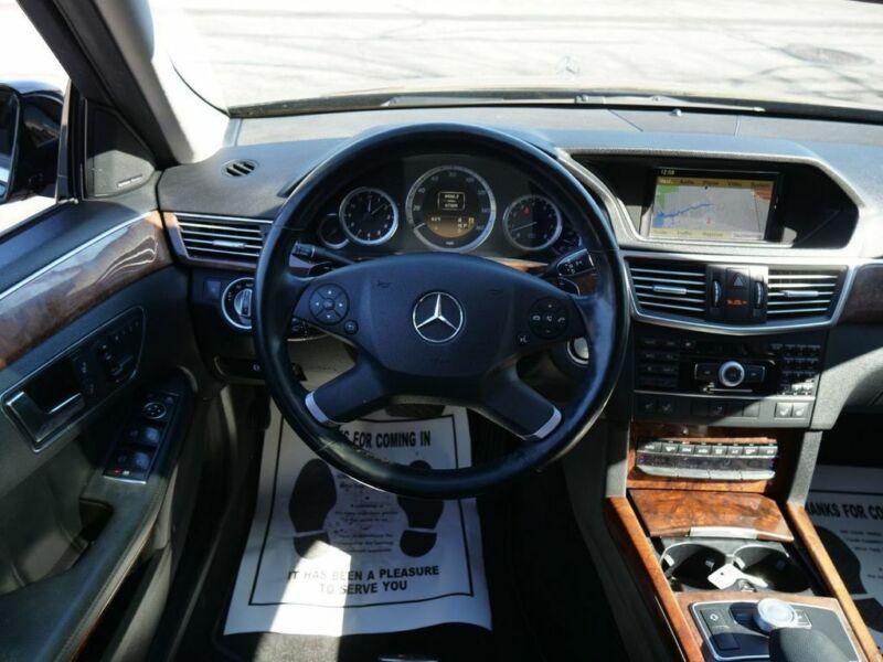 Image 20 Voiture Européenne d'occasion Mercedes-Benz E-Class 2011