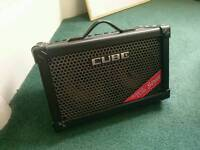 Roland Street cube Busking amp