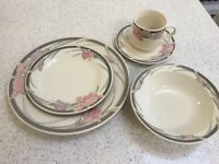 Eight Place Dinner Service - Pink / Grey