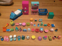 Big bundle of 43 shopkins with gym , icecream maker etc