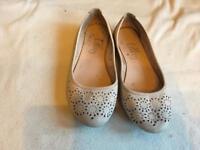 Atmosphere ladies flat shoes size 8/42.used £2