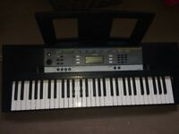 Yamaha YPT-240 beginners keyboard