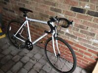 White road racing bike. Looking £170 pound/ £150 lowest