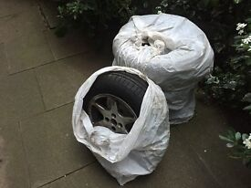 4 Goodyear tyres - [195/65R/15] 91H. Good tread, steel rims and wheel nuts included