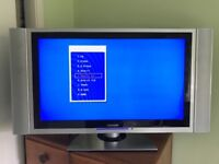 """Lexsor 32"""" LCD HD Ready TV - Fully working, with remote & Instructions"""