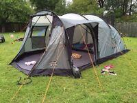 Vango Tigris 400DLX 4 berth tent in excellent condition with extension & carpet