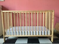 Baby cot/ cotbed