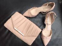 Ladies Marks & Spencers Peach Kitten Heel Shoes Size 6 1/2 & Matching Clutch Bag