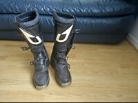 Set up duo motocross boots size 7