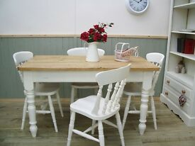 Stunning Pine Country Farmhouse 4½ft Table and Chair Set.
