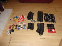 VINTAGE SCALEXTRIC 6 CAR 32 TRACK AND OTHER BITS