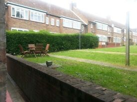 **Unbeatable Price** Spacious Clean 1 Bedroom Flat Private Garden Free Parking Private Landlord***