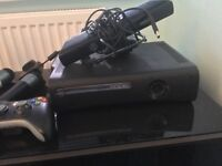 X Box 360, 2 controllers, x box kinnect, games and cables (120GB)