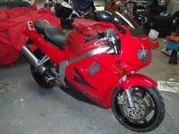 Honda VFR 750 motorbike, 27500 miles on the clock in vgc