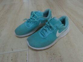 Nike Trainers Aqua/Green - UK Size 4