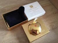 Rare Estée Lauder Golden Apple Compact. New