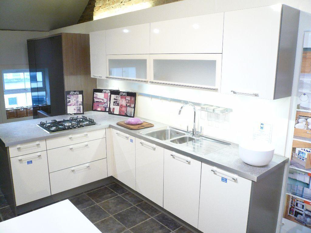 2,750.00 Ex-Display Kitchen for sale. German Hacker Diva with ...
