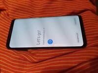 Samsung Galaxy S9 (cracked screen)