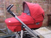 Bebe Confort Windoo carrycot in very good condition £30.00 o.n.o