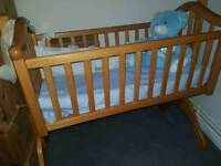 Mamas and papas swing crib excellent condition