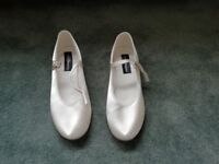 New Ivory Tappers Pointers Holly heeled bar shoes - Size 6