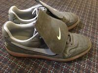 Nike shoe UK size 8. Only wear once