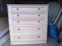 Maple coloured 5 Drawer Chest of Drawers.