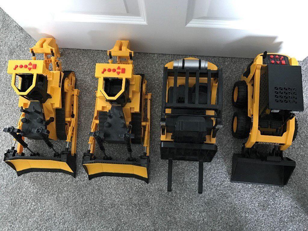 CATERPILLAR truck toys - forklift, bulldozers and dumper trucks.