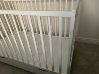 Baby bed with mattress -white