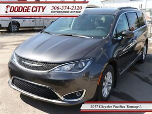 2017 Chrysler Pacifica Touring | FWD | ***DEMO***