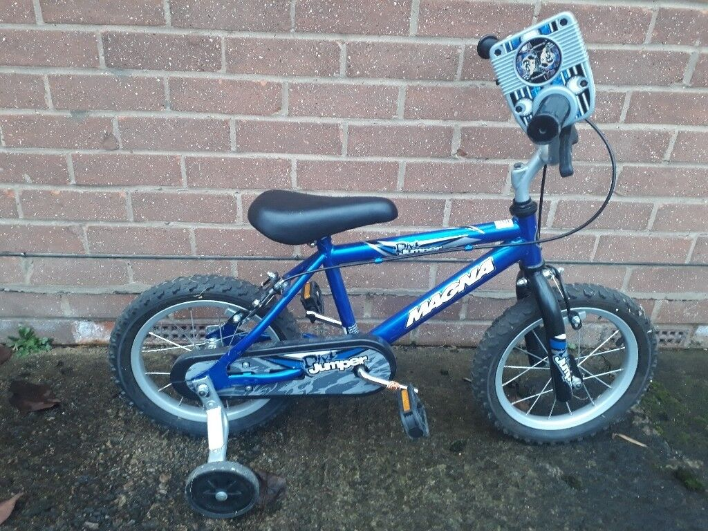 Magna Dirt Jumper Bike with stabilisers.