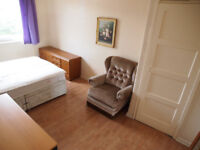 A double room to rent for student close to KB of Edinburgh University and Royal Informary