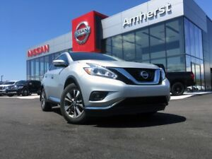 2017 Nissan Murano SV COMFORT AND FEATURES!!