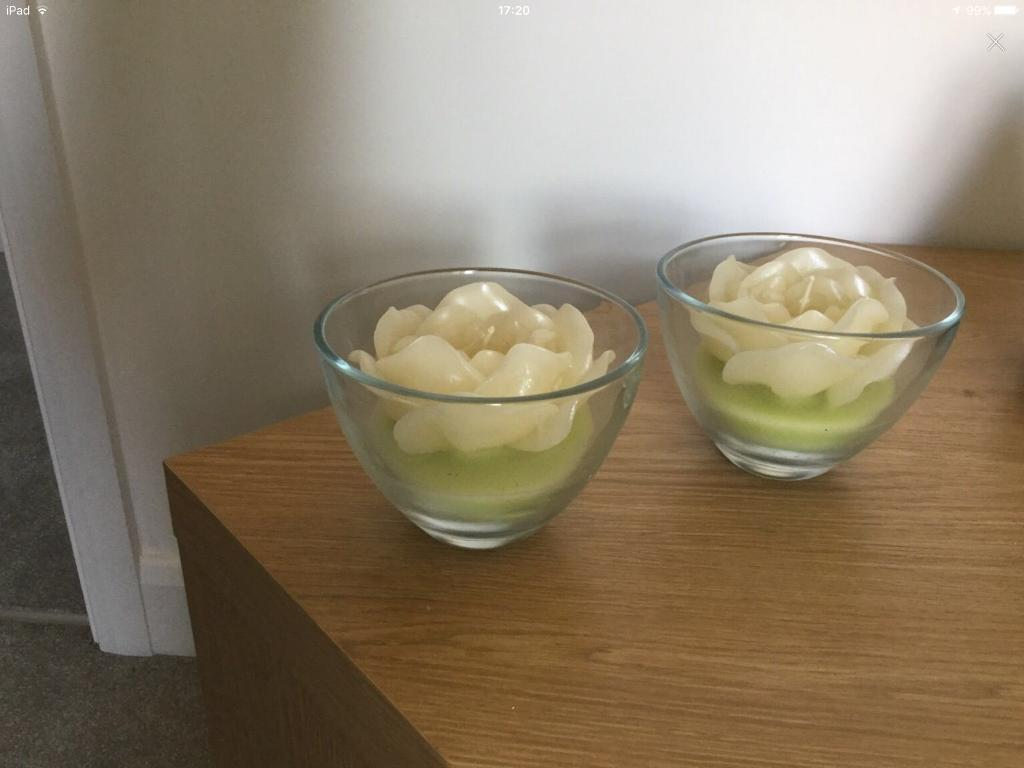 Set of two green candles