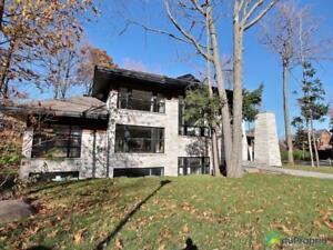 1 125 000$ - Maison 2 étages à vendre à Mont-St-Hilaire