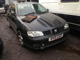 seat ibiza 2001 1.4 petrol 3dr black - breaking for spares *wheel nut*