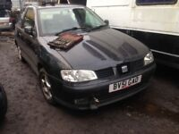 seat ibiza 2001 1.4 petrol 3dr black - breaking for spares *wheel nut*