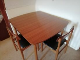 Extendable Dining TABLE in Excellent condition & 2 CHAIRS
