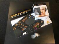 Like new - Behring CMD studio 4A controller + Headphones