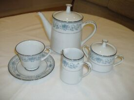Noritake Blue Hill complete dinner and tea service 8 place setting 60 pieces