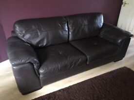 Brown leather 2 piece suite