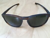 Oakley Enduro Shaun White - original case + cleaning set