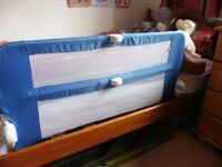 Bed guard blue