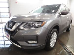 2017 Nissan Rogue SV! Moonroof! Save over $6300!!