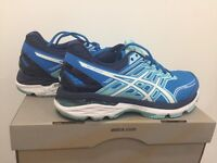 ONLY WORN ONCE!!!! Asics GT2000 5 wmns running trainers - Blue/White - UK 6.5